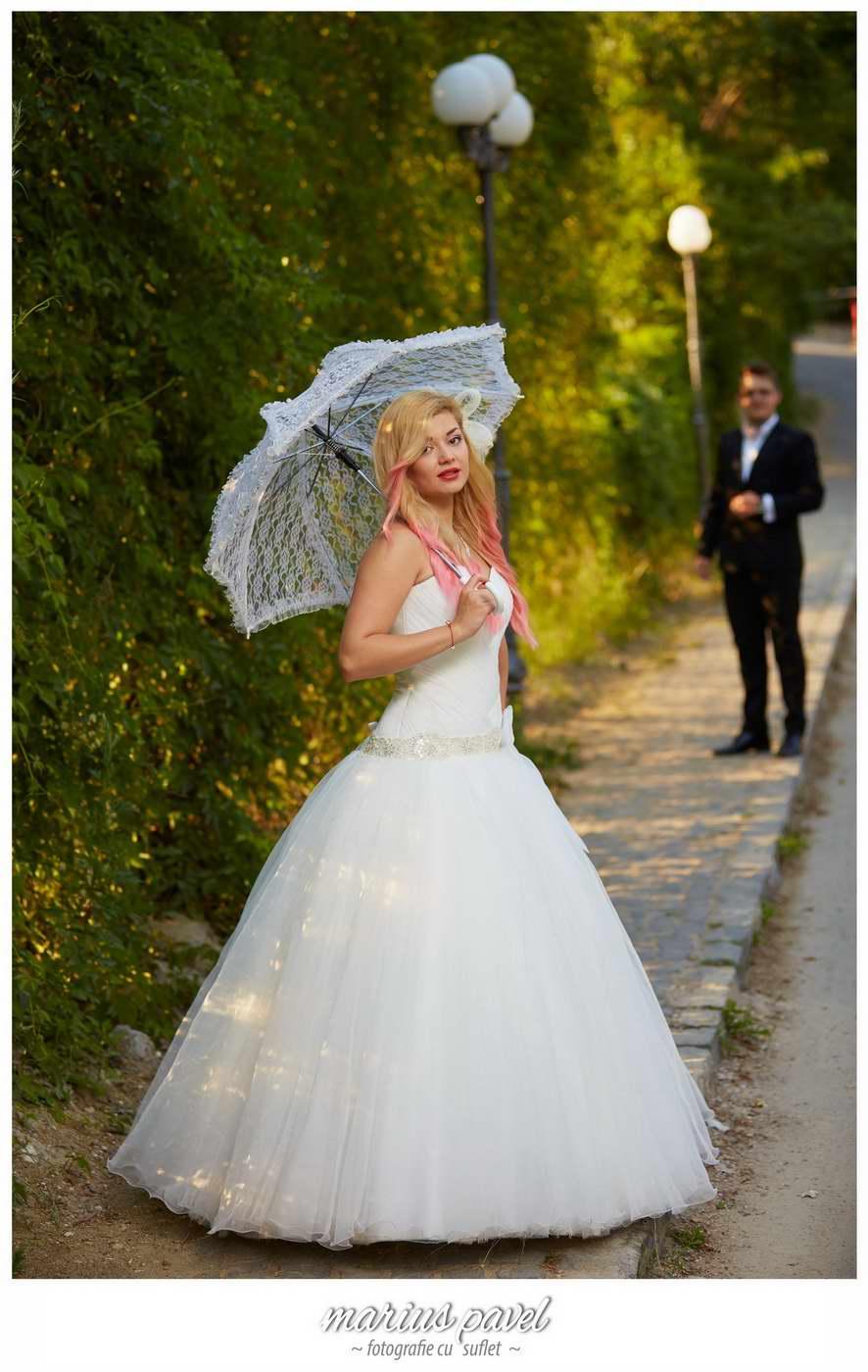 Trash the dress Brasov – sedinta foto dupa nunta